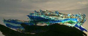 """""""Meereswelle"""", Glasinstallation von Gundula Mening"""
